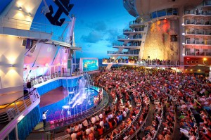 Das Aquatheater auf der Oasis of the Seas